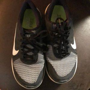 Nike Shoes - Nike Free 4.0